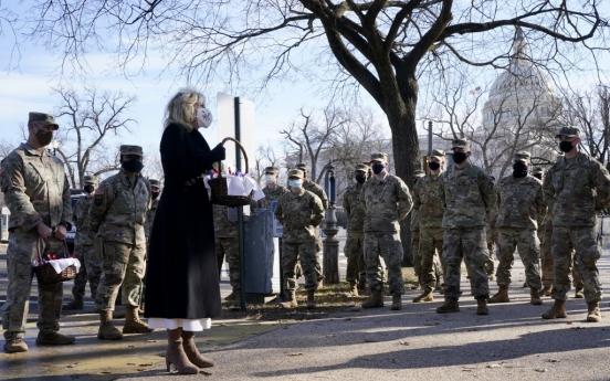 '그 밥값 제가 낼게요' 워싱턴DC 지켜준 군인에 감사표한 시민들