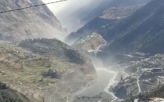 Glacier breaks in India's north; flood kills 3, 140 missing