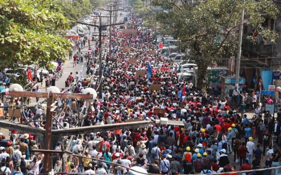 Internet access restored as Myanmar coup protests grow