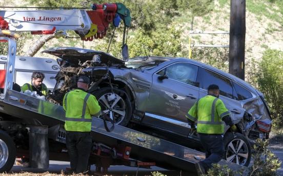 '골프황제' 우즈 사고차량 '제네시스 GV80'에 집중조명