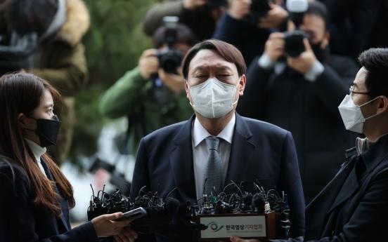 Top prosecutor resigns in defiance of weakening prosecution's power