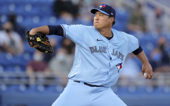 Blue Jays' Ryu Hyun-jin sharp vs. Yankees for 1st win of season