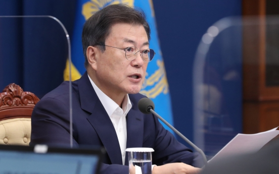 Moon says public consensus needed for granting pardons to two jailed ex-presidents