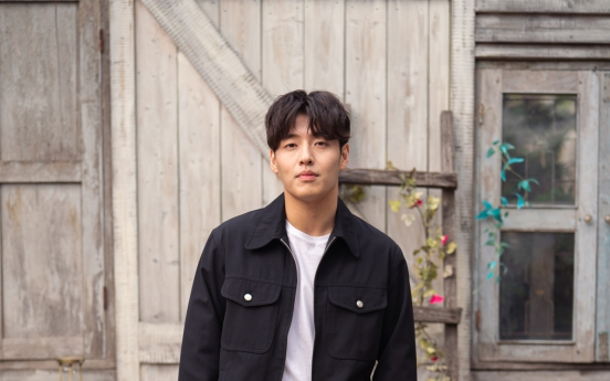 [Herald Interview] Kang Ha-neul says he enjoyed filling in blanks in 'Rain and Your Story' script