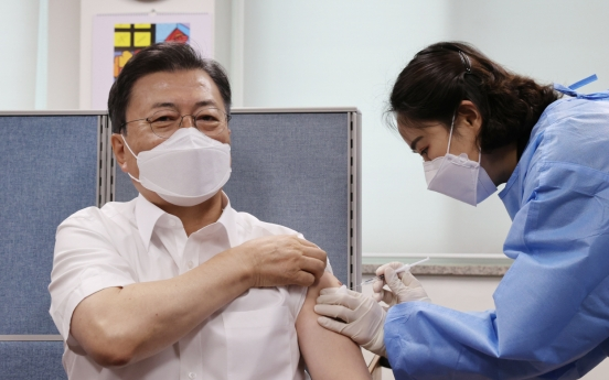 [Newsmaker] Moon gets another AstraZeneca vaccine shot for summit with Biden, G-7 session