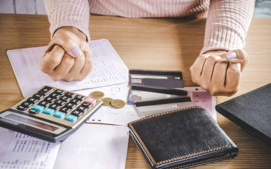 Over half of Korean adults under financial stress: survey