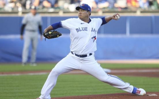 Blue Jays' Ryu Hyun-jin settles for no-decision after bullpen blows lead