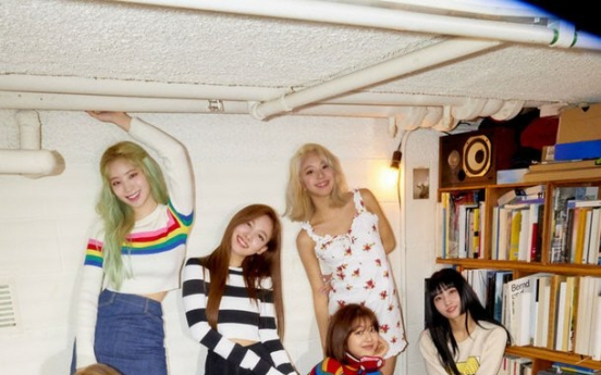 [Today's K-pop] Twice tops Billboard world album chart