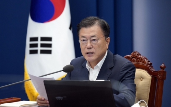 Moon orders dispatch of medical staff, goods to treat Korean troops abroad infected with coronavirus