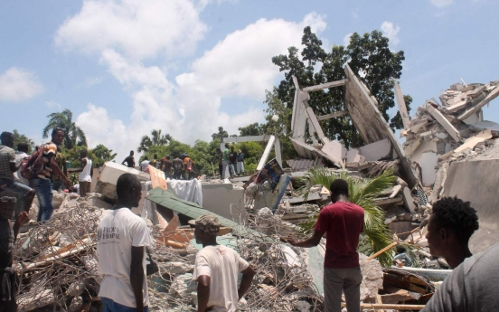 Powerful quake adds to Haiti's misery, killing at least 304