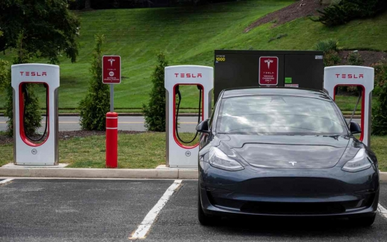 Tesla stocks lose luster among Korean investors