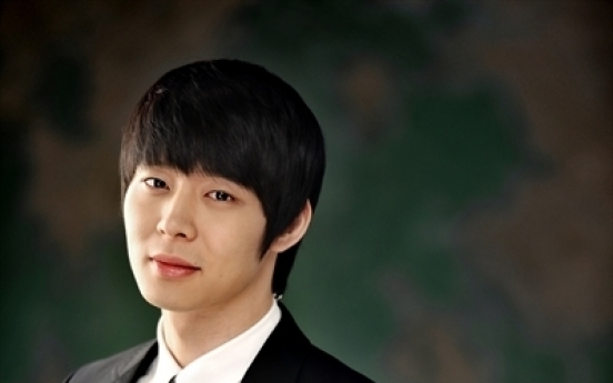 Singer-actor Park Yoo-chun embroiled in dispute with his new agency