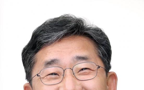 Former culture minister Park Yang-woo takes presidency of Gwangju Biennale Foundation