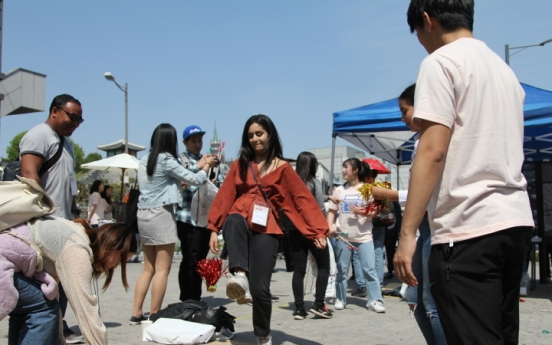[News Focus] Tally for foreigners in Korea slides to 62-month low