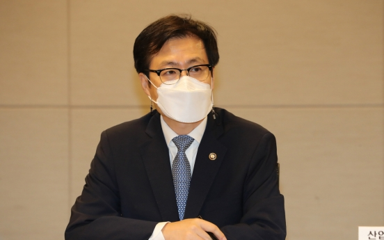 S. Korean trade minister, WTO chief discuss restoring multilateralism amid pandemic