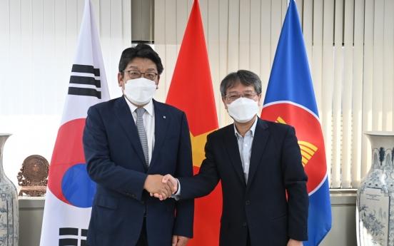Vietnamese ambassador, Korea Herald CEO discuss bilateral ties
