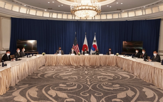 Top Seoul, Washington, Tokyo envoys affirm cooperation on NK's denuclearization