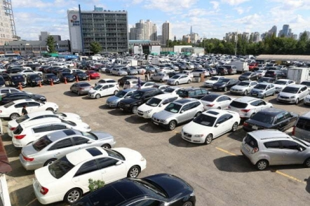 Imported commercial car sales up 2.3% in August