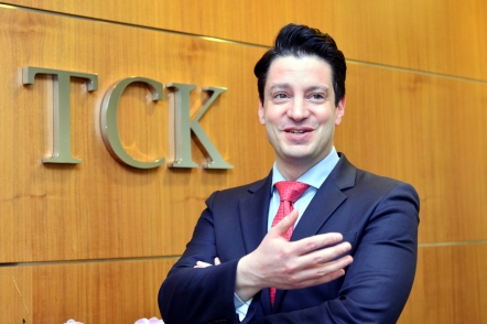 Tailored foreign investing advice gets new twist