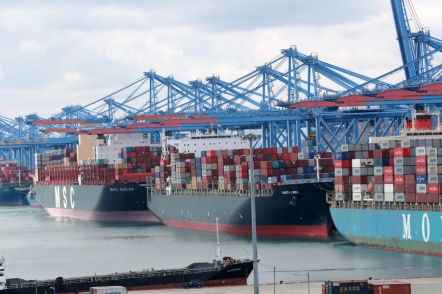 Exports rise 23% in first 20 days of Sept.