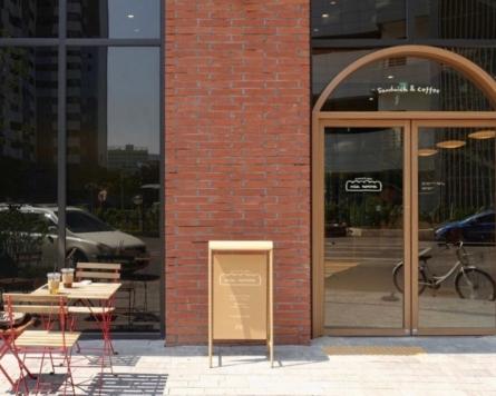 Beloved sandwich shop moves to new Seongsu-dong perch