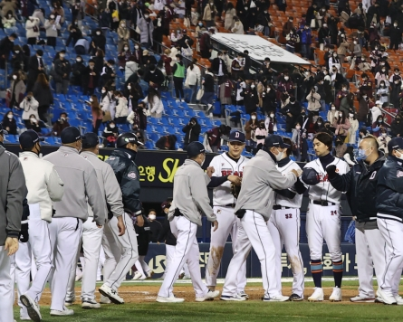 Two starters for Bears shortlisted for KBO's top player award for Oct.