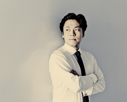 Pianist Kim Sun-wook's recital canceled due to pandemic