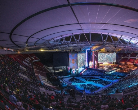 Korean LoL players who join teams abroad face very different environments