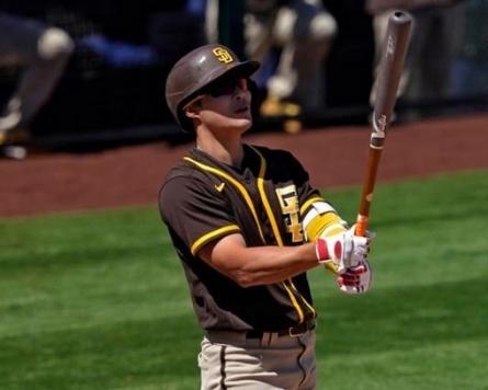 Padres' Kim Ha-seong collects 1st MLB hit, RBI
