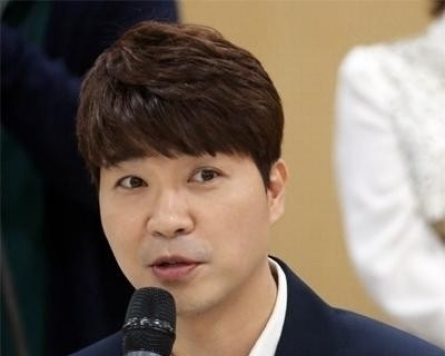 [Newsmaker] Comedian Park Soo-hong to sue brother, sister-in-law
