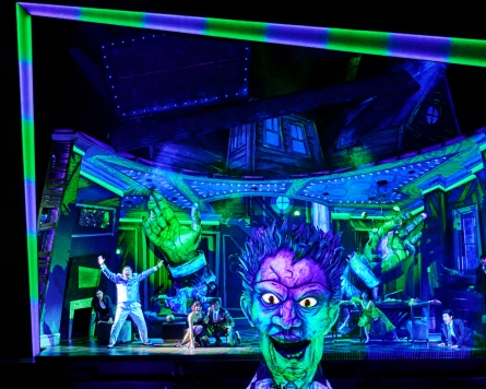 [Herald Review] It's show time for 'Beetlejuice'