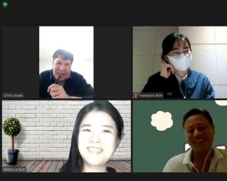 Freewheeling Seoul book club spurs global insights, stories