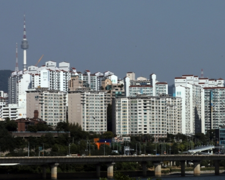[Newsmaker] Over half of young Seoulites can't afford buying house without parents' support: survey