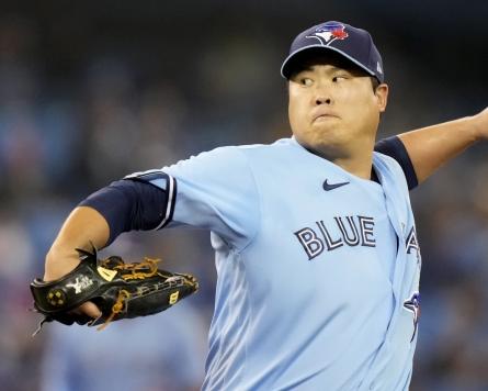 Blue Jays' Ryu Hyun-jin wins final regular season start, team falls short of postseason