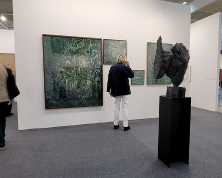 Korea's largest art fair is back -- and there are more art lovers than ever