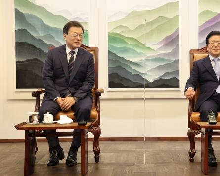 Moon says S. Korea to begin gradual return to normal life from November