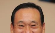 """이팔성 회장 """"저축은행 1~2개 더 인수"""""""