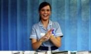 건전해도 너무 건전한 영국판 '간호사 스타일'