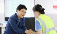 유통 첫 여성 CEO 임일순 퇴장…그녀가 홈플을 떠나는 이유는?[언박싱]