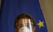 """EU 제재에 발끈 베네수 """"EU 대사 72시간 안에 떠나라""""[인더머니]"""