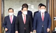 """주호영 """"임기 1년 文, 법치·민주주의 파괴 돌려놔야"""""""