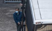 홍콩 반중매체 사주 지미 라이, 불법집회 조직 등 혐의로 징역 14개월