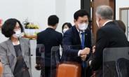 """與 초선들, 송영길 만나 """"박원순, 오거돈 피해자에 다시 사과해야"""""""