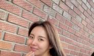 '제이홉 친누나' 유명 유튜버 정지우 결혼