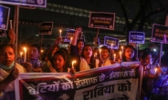 15세 소녀 9개월 성폭행 인도男 28명 체포…남친도 가해자