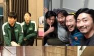 허성태, '오징어 게임' 홍보 자청... 박해수부터 알리까지 비하인드 사진 대방출