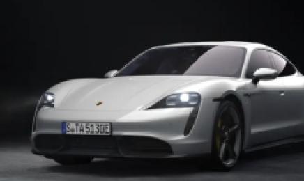 포르쉐도 전기차…'아이콘' 911 판매량, 타이칸에 따라 잡히나