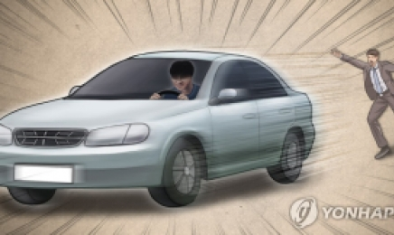 여중생 3명 훔친 차 타고 도주...추격전 끝 검거