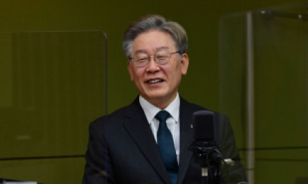 """이재명, 남북 통신선 재개에 """"능동적 정책 추진""""…이낙연은 """"盧 말씀 생각나"""""""