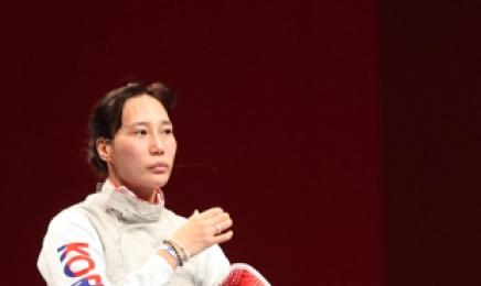 [펜싱] '마지막 올림픽' 전희숙, 여자 플뢰레 개인전 8강 진출